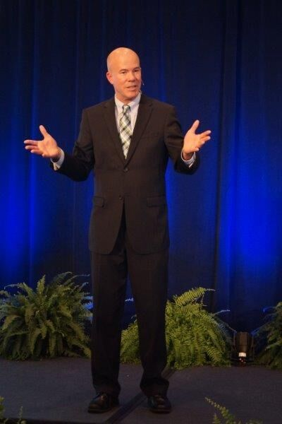 bob spiel speaking at a dental conference