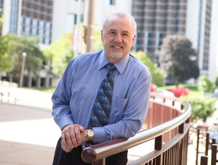 Dr Robert Tripke